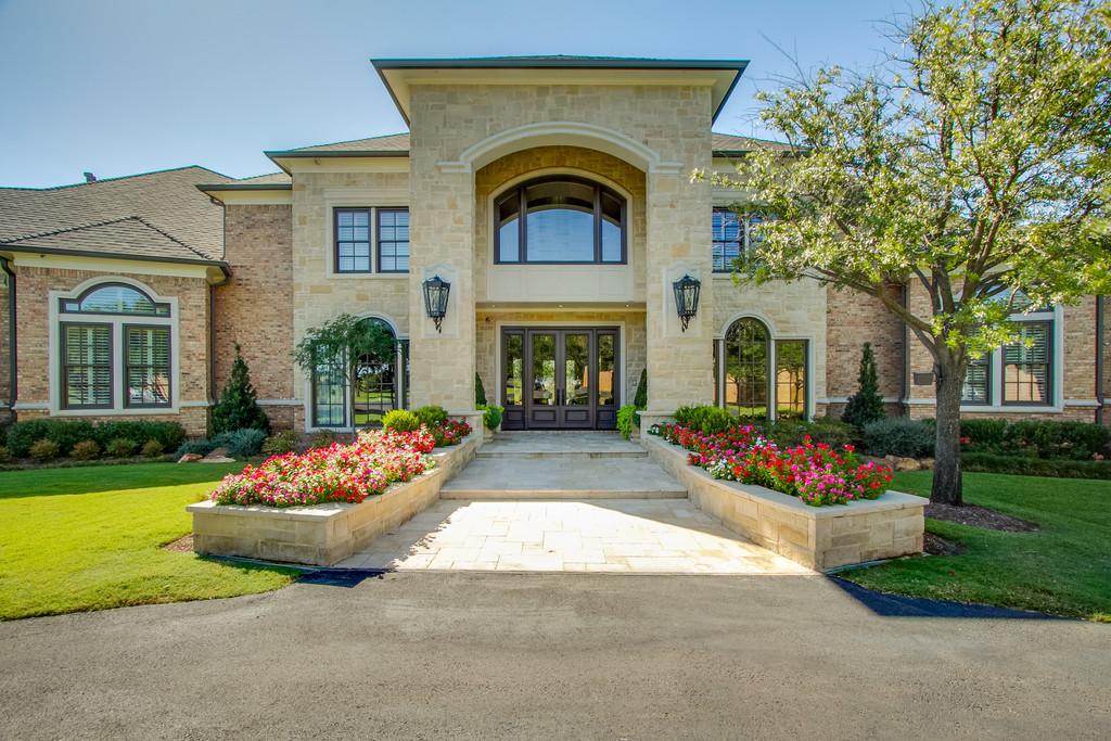 Lovely Exquisite 5 Acre Estate   710 S White Chapel Blvd. Southlake, TX 76092