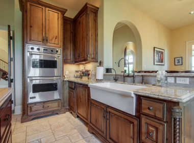 Farm Sink and Double Ovens