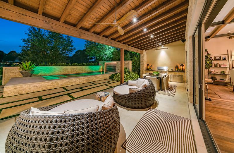 65 Kennington backyard patio
