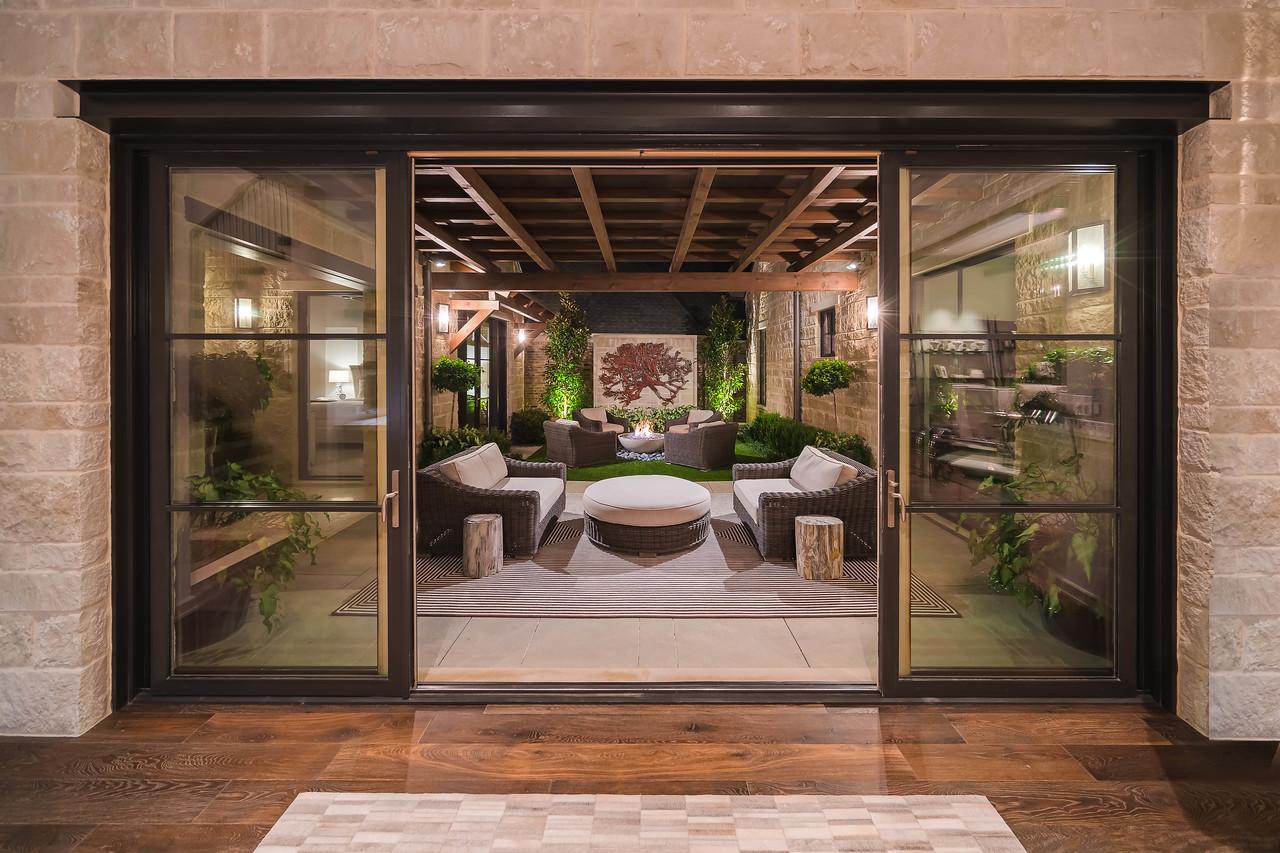 65 Kennington interior courtyard view from kitchen