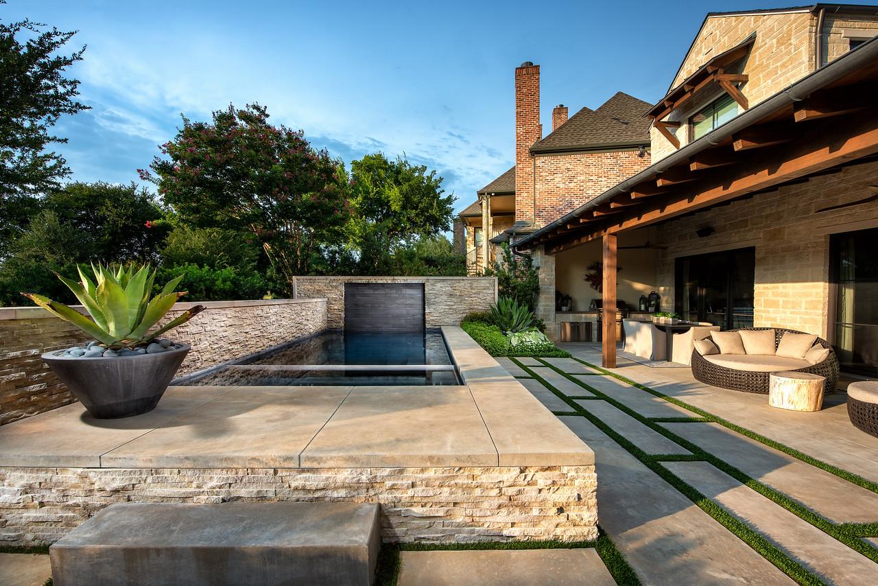 65 Kennington pool and spa